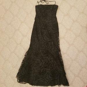 Zum Zum by Niki Livas Dresses - Black gown Zum Zum by Niki Livas